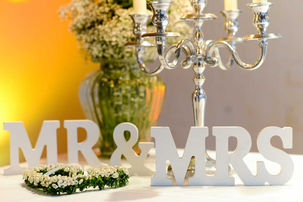 Hochzeiten in kunstsalon location unvergessliche momente for Standesamt dekoration hochzeit