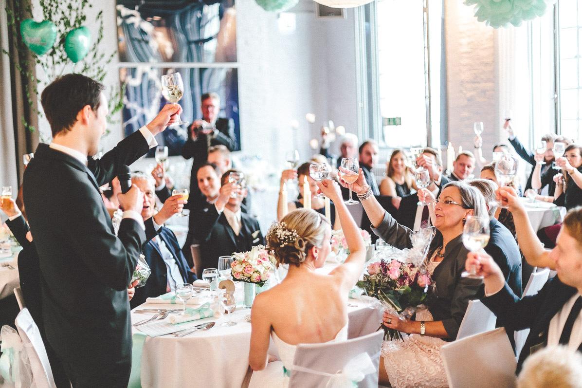 Ja, ich will – Die Geschichte des Brautkleides